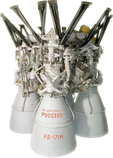 Motor RD-171M usado en el Zenit. Es el motor de combustible líquido más potente jamás construido (NPO Energomash).