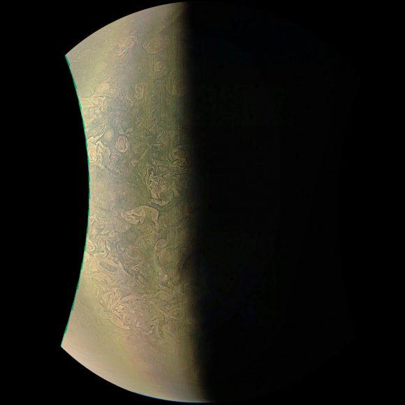 (NASA/JPL-Caltech/SwRI/MSSS/Björn Jónsson).