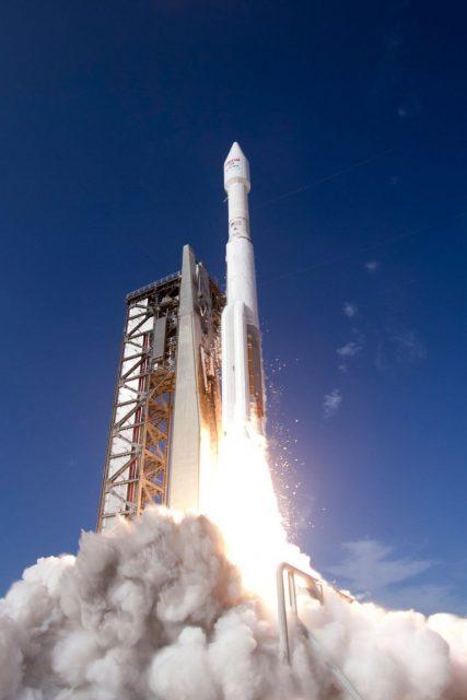Lanzamiento del Echostar 19 (ULA).