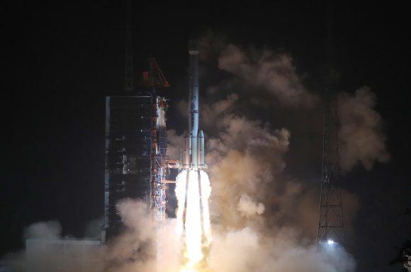 Lanzamiento del Fengyun 4-01 (Xinhua).
