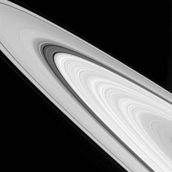 Imagen de los anillos del 24 de septiembre de 2016 (NASA/JPL-Caltech/Space Science Institute).