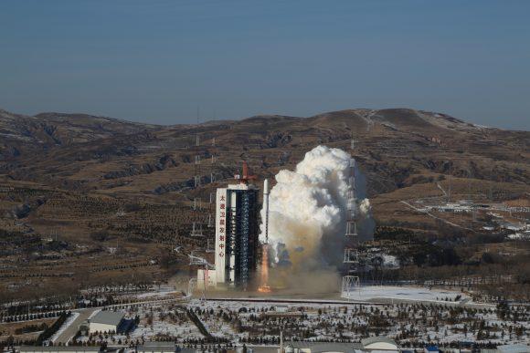 Lanzamiento de los Gaojing -1 01 y 02 (Xinhua).