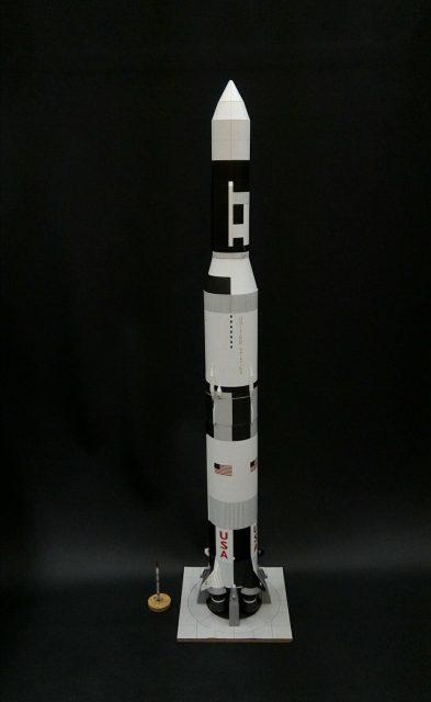 El SS-520-4 y el Saturno V (https://twitter.com/Nakagawa_PASA).
