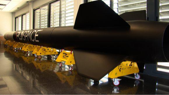 Modelo a tamaÒo real del cohete ARION 1.