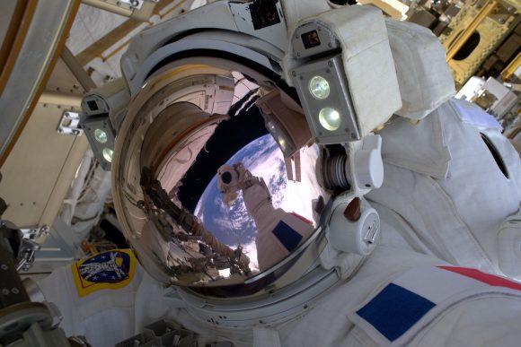 Pesquet durante la EVA 39 (ESA).