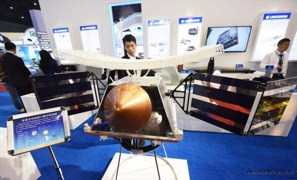 Maqueta de sonda china para el estudio de Venus con un radar de apertura sintética y una sonda atmosférica (Long Wei, China Daily/http://gbtimes.com)