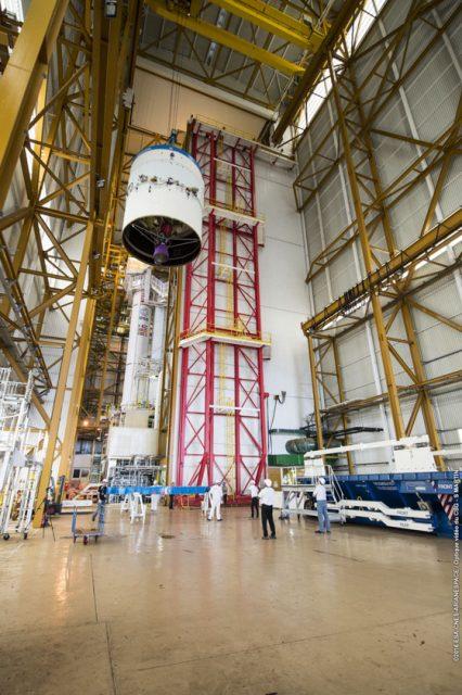 Integración de la segunda etapa ESC-A de la VA232 (Arianespace).