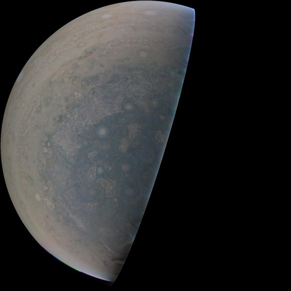 (NASA/JPL-Caltech/SwRI/MSSS).