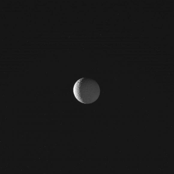 Mimas visto el 30 de enero (NASA/JPL-Caltech/Space Science Institute).