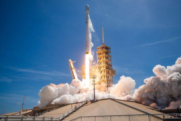 Lanzamiento del BulgariaSat 1 (SpaceX).