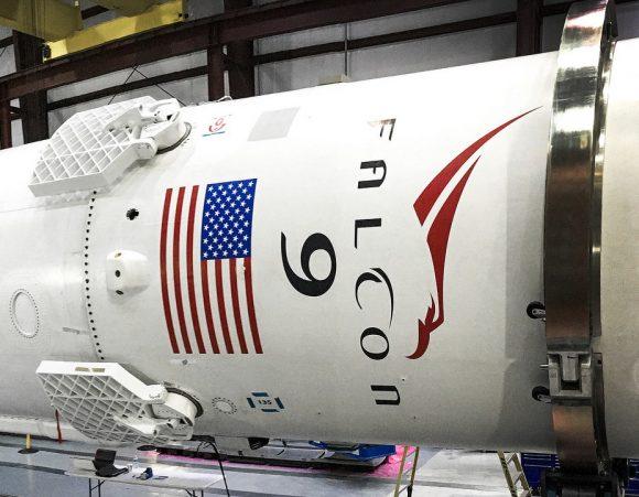 Aspecto de las rejillas de control del Falcon 9 (SpaceX).