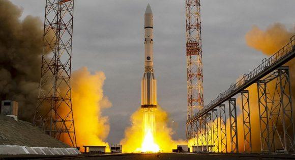 Lanzamiento del Echostar 21 (Roscosmos).