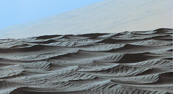 El exótico campo de dunas de Bagnold (NASA/JPL-Caltech/MSSS).