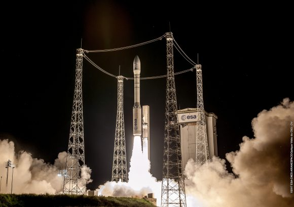 Lanzamiento de la misión VV10 del Vega (Arianespace).