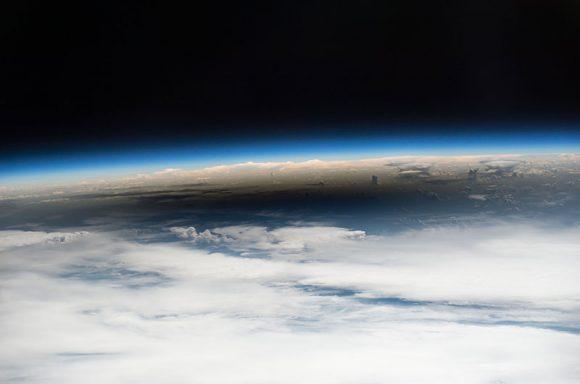 Detalle de la sombra vista desde la ISS (NASA/ESA).