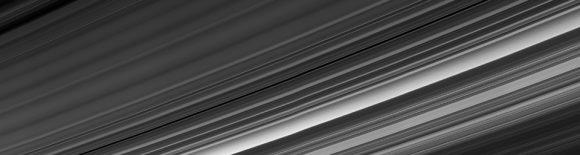 Los anillos vistos desde 'abajo' el 9 de septiembre de 2017 (NASA/JPL-Caltech/Space Science Institute).