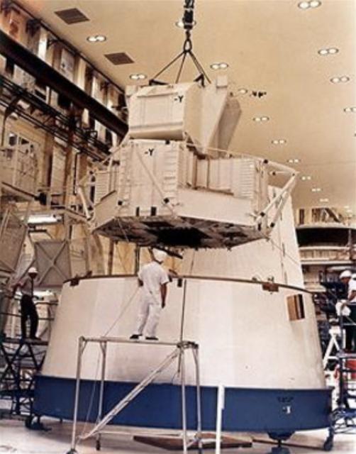 El modelo del módulo lunar LT