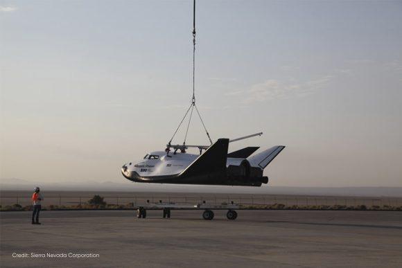 El Drean Chaser vuela unido al helicóptero (SNC).