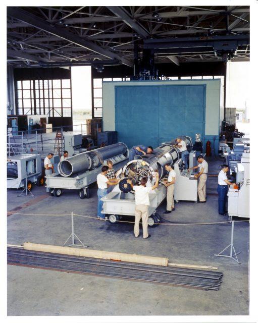 Preparando el Vanguard TV-2 para el lanzamiento (NASA).