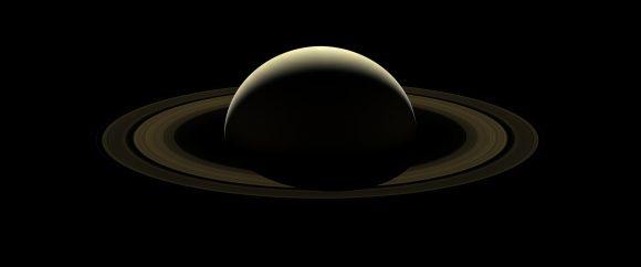 Una de las últimas imágenes de Saturno de Cassini (NASA/JPL-Caltech/SSI).