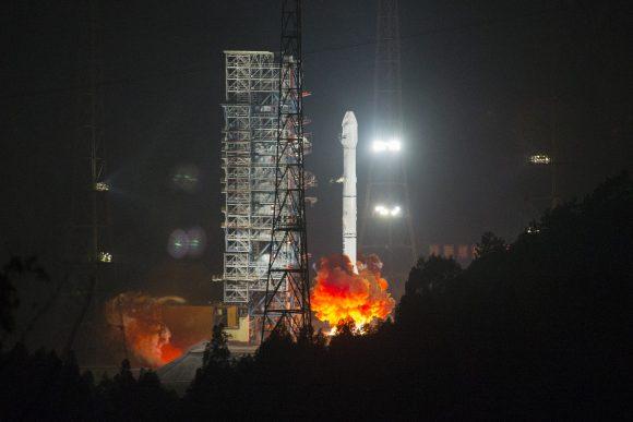 Lanzamiento del Alcomsat 1 (Xinhua).