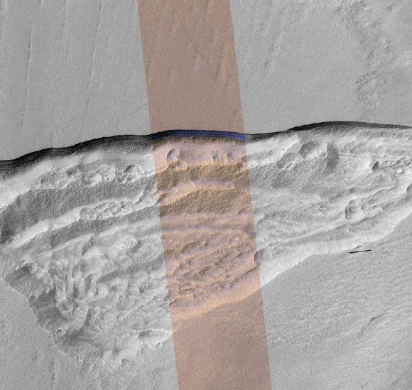 Imagen de contexto de la anterior (NASA/JPL-Caltech/UA/USGS).