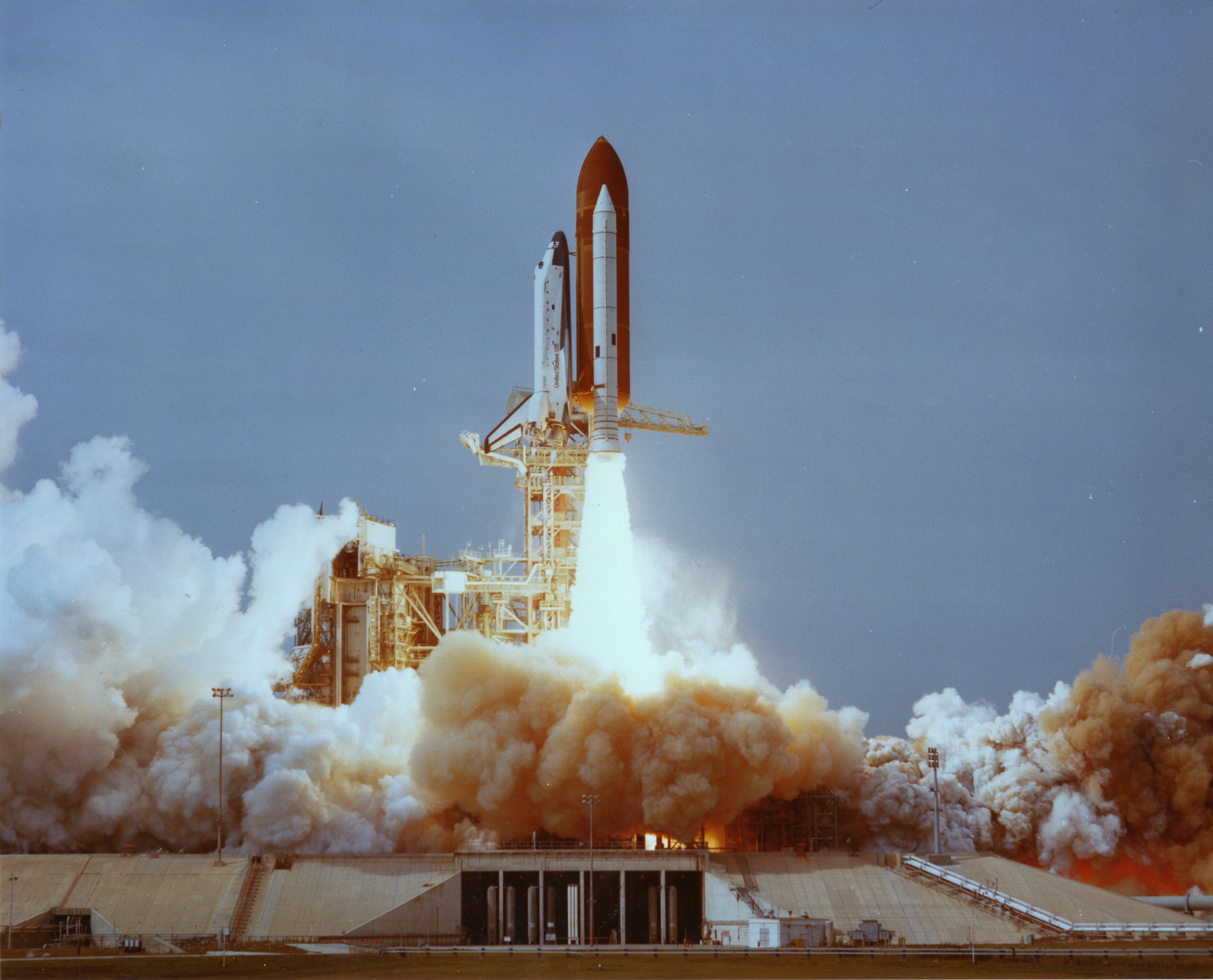Lanzamiento de la STS-9 COlumbia en 1983 (NASA).