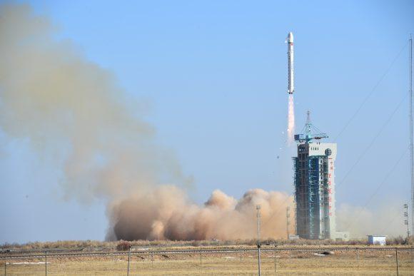 Lanzamiento del LKW-3 (Xinhua).