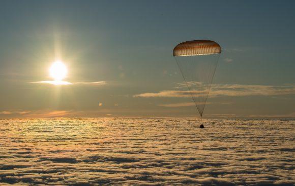 Descenso de la Soyuz MS-06 (NASA).