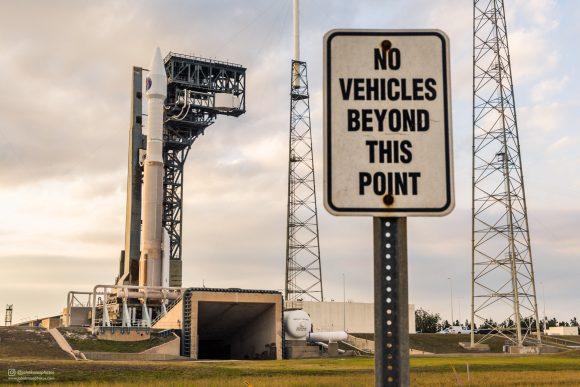 El Atlas V 411 en la rampa (ULA).