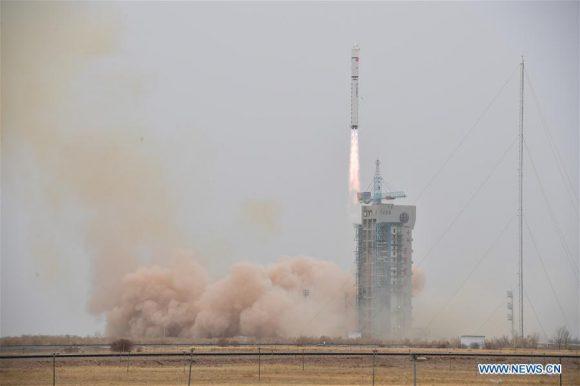 Lanzamiento del LKW-4 (Xinhua).