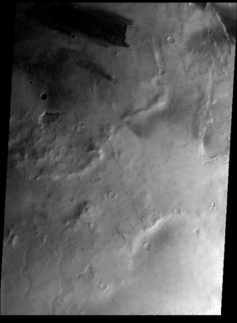 El cráter Mellish visto en marzo de 2017 por CaSSIS (ESA/Roscosmos/CaSSIS).