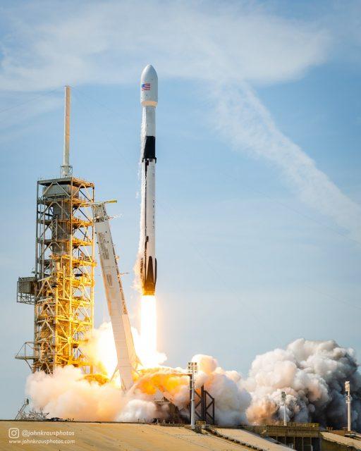 Primer lanzamiento del Falcon 9 Block 5 (SpaceX).