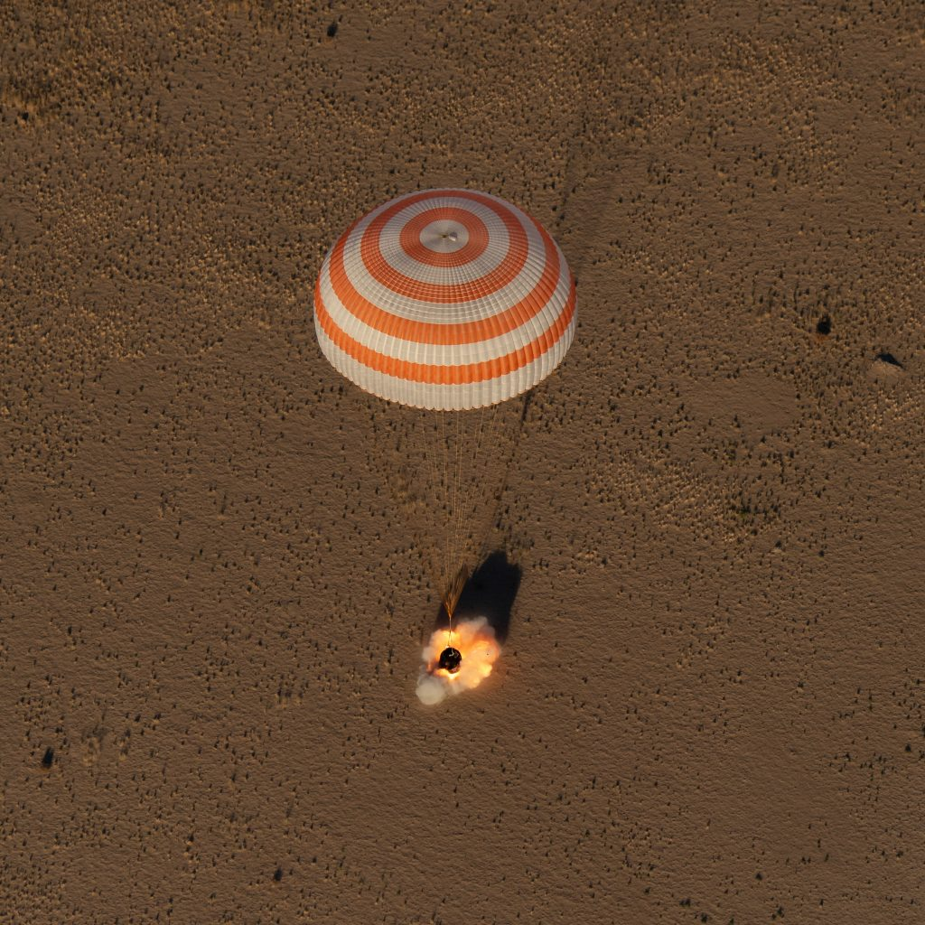 Regreso de la Soyuz MS-08
