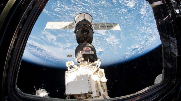 Lanzamiento y acoplamiento de la Soyuz MS-12