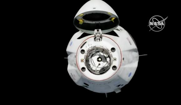 Primer acoplamiento de la Dragon 2 (DM-1) con la ISS