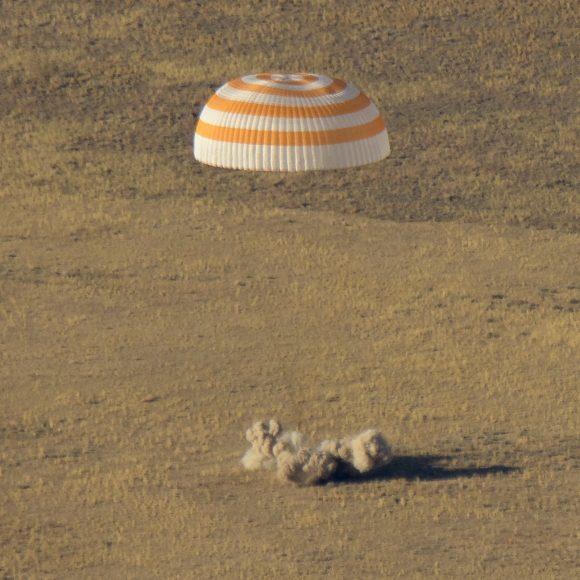 Regreso de la Soyuz MS-12