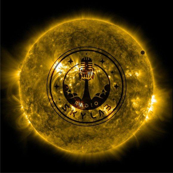 Radio Skylab 81: Transición