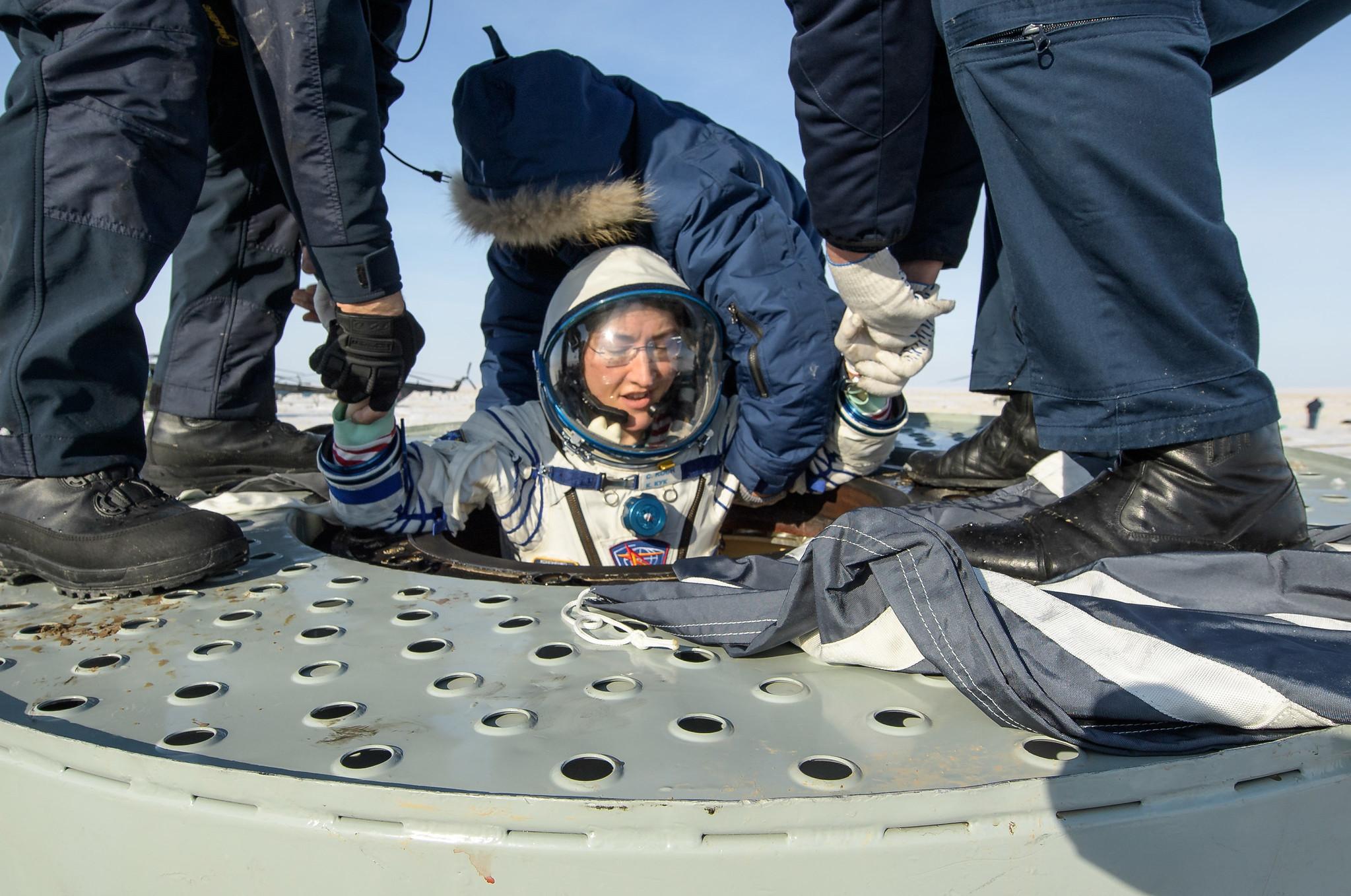 Regreso de la Soyuz MS 13 y récord de permanencia en el