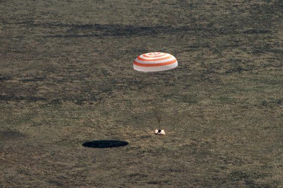 Regreso de la Soyuz MS-15