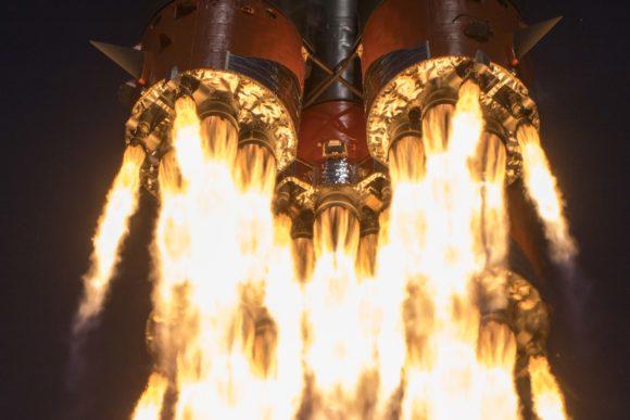 Lanzamiento y acoplamiento de la Soyuz MS-16