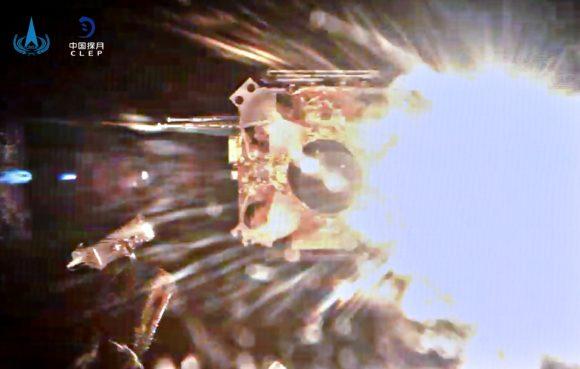 La Chang'e 5 despega de la Luna con muestras de la superficie