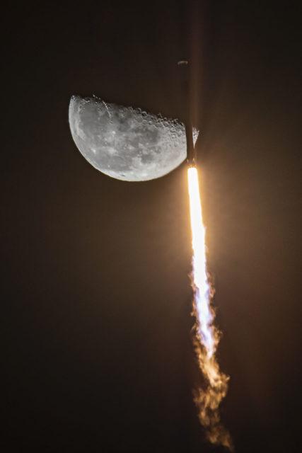 Más de mil satélites Starlink en órbita
