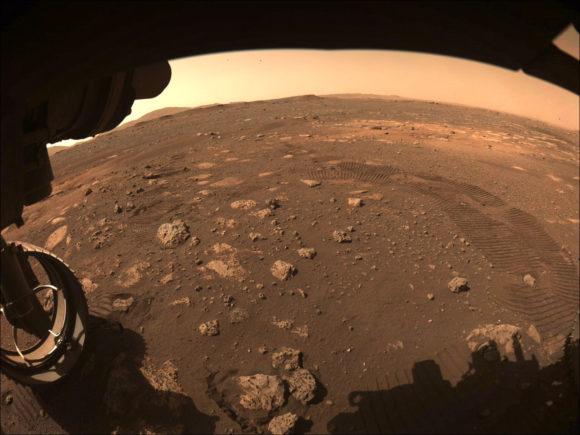 Perseverance se mueve en Marte por primera vez: dando un paseo por «Octavia E. Butler»