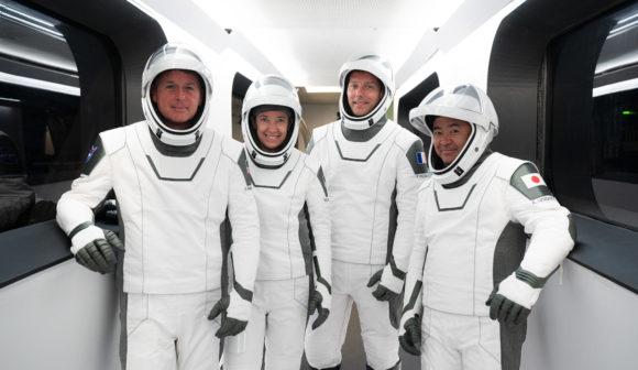 Lanzamiento de la cápsula Endeavour en la misión Crew 2