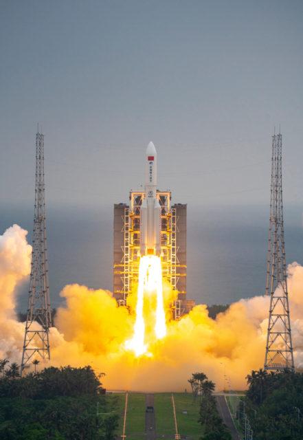 El regreso del «cohete chino»: la reentrada incontrolada de la etapa central del Larga Marcha CZ-5B Y2
