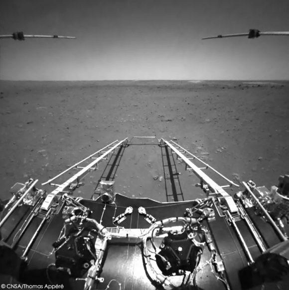 Las primeras imágenes de Marte tomadas por el rover chino Zhurong