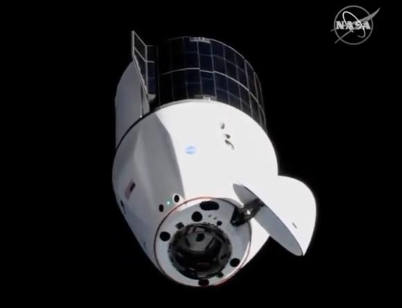 Lanzamiento de la Dragon 2 CRS-22 con los nuevos paneles solares de la ISS
