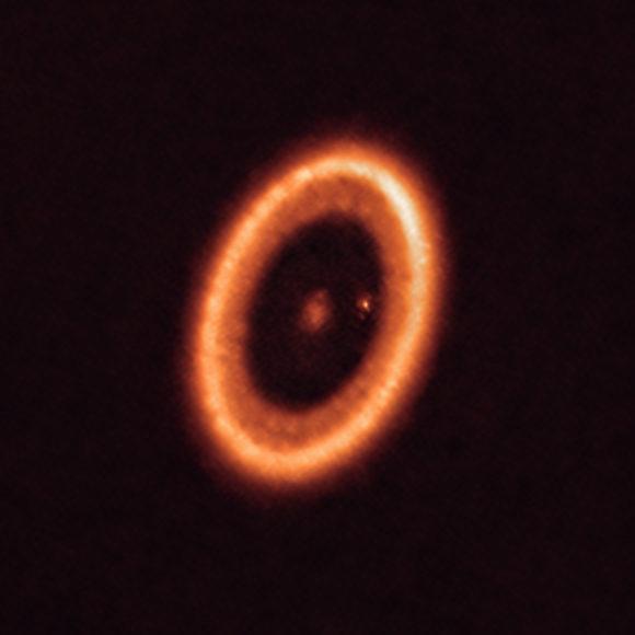 Observando el primer «disco protolunar»