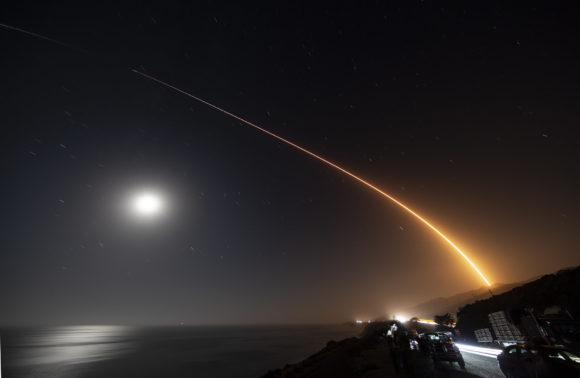 Primer lanzamiento de satélites Starlink v1.5